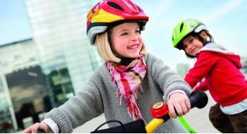 Как выбрать детский шлем для катания на велосипеде и самокате?